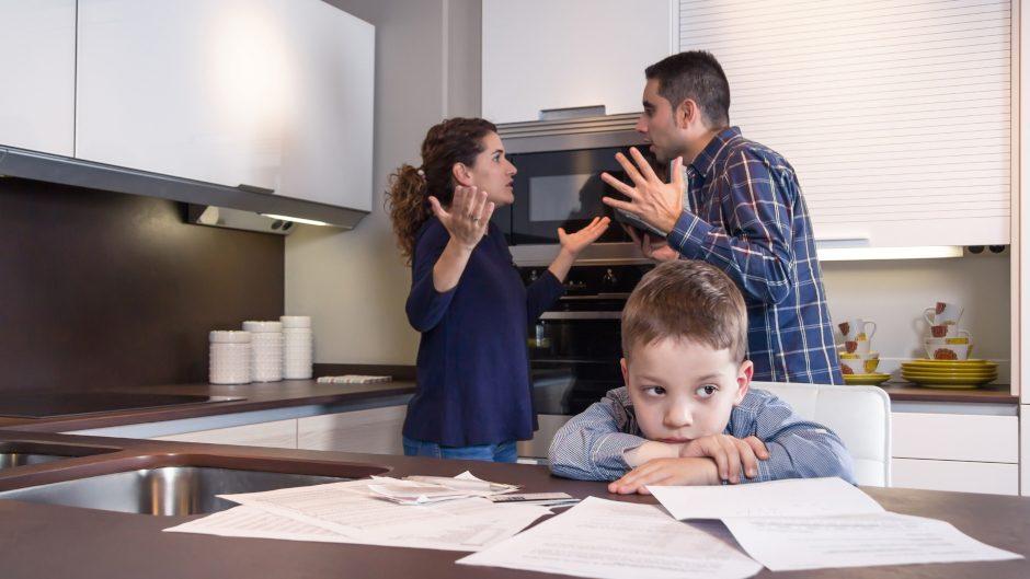 Конфликт в семье из-за ребенка.